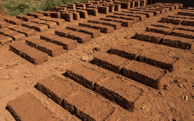 Dry earthen brick