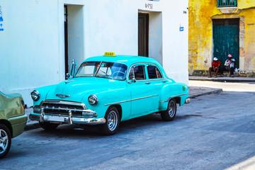 Foto op Plexiglas Cubaanse oldtimers Oldtimers, classic and retro, vintage cars from Havana.