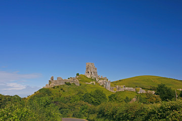 Fototapete - Dorset, The Jurassic Coast, Isle of Purbeck, Corfe Castle