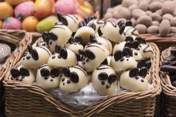 Conejos de mazapán y chocolate