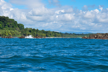 Fototapete - Sailing around Corcovado National Park, Costa Rica