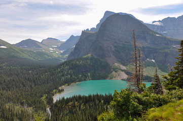 Fototapete - Trekking in Grinnel Lake Trail, Glacier National Park, Montana,