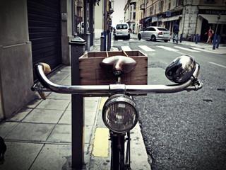Le vieux vélo.