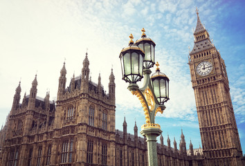 Photo sur Plexiglas Londres Big Ben and the houses of parliament in London