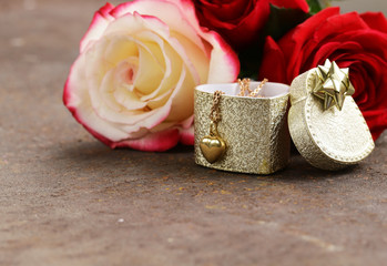 gold necklace heart with roses flowers for gift