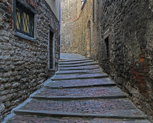 the narrow street in old city of Bergamo