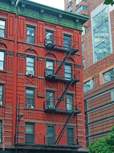 Scale In Ghisa.Una Tipica Casa Newyorkese Nel Quartiere Di Soho Scale