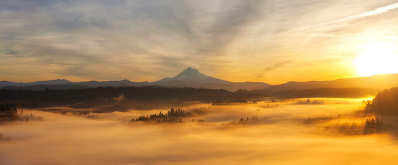 Spoed Fotobehang Ochtendgloren Sunrise Over Mt Hood Panorama