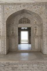 Foto auf Leinwand Befestigung Puerta en mármol en el khas mahal, Agra, India