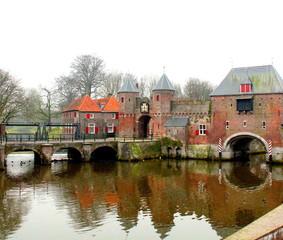 Fototapete - Amersfoort. February-11-2015. City gate