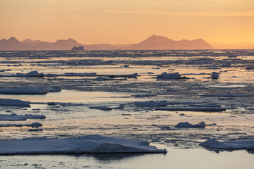 Midnight Sun - Sea Ice - Greenland