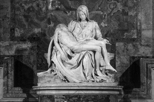 Pieta - Michalangelo - st. Peters cathedral. Black & white