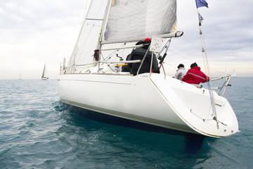 reagata con barca a vela nel mar mediterraneo