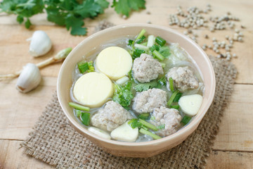 Minced pork and soya bean curd soup