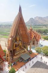 Thai temple Wat thum sua
