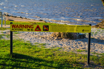 Warnung vor Krokodilen