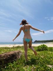 石垣島のビーチの女の子