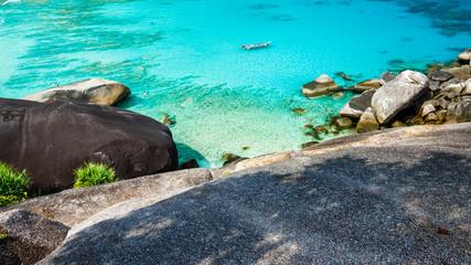 Ausblick von den Granitfelsen auf den Similan Islands in der Nähe von Khao Lak, Thailand