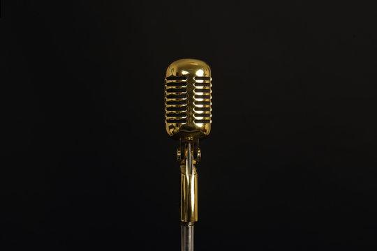 microphone rétro vintage doré