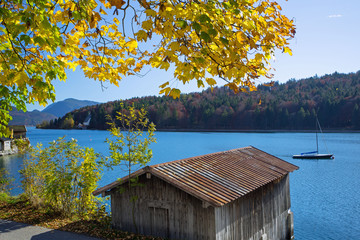 Wall Mural - Walchensee, Bootshaus, Herbst