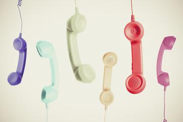 カラフルな電話の受話器