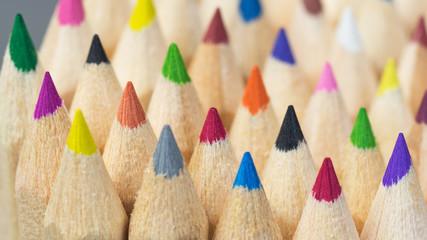 Buntstifte - Farbtöne - Auswahl - Angebot - Wettbewerb - Konkurren