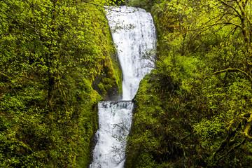 Bridal Veil Falls in Multnomah Oregon