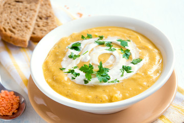 Lentil and pea cream soup