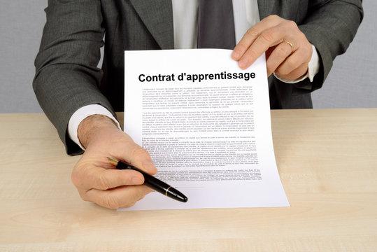 Signature du contrat d'apprentissage