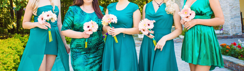 bridesmaid in turquoise dress