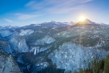 Wall Mural - Rising moon over Yosemite National Park