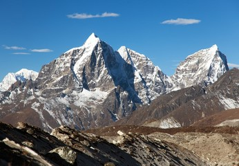 Tabuche peak, Cholatse and Arakam Tse