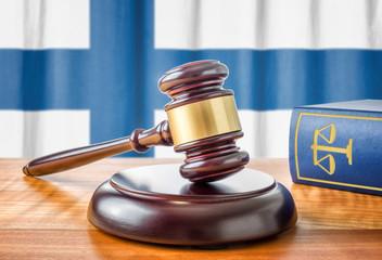 Richterhammer und Gesetzbuch - Finnland