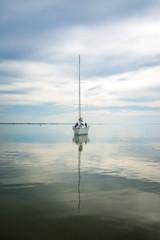 Segeln am See mit Windkraft und Elektroantrieb