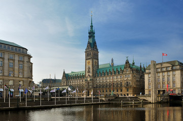 Rathaus (City Hall) and Binnen Alster, Hamburg, Germany