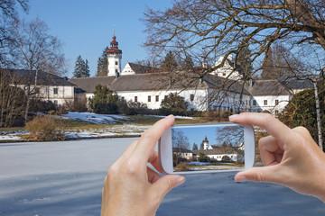 Taking pictures of castle in winter (Velke Losiny, Czech Republic)
