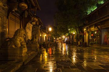 Night view of Kuanzhai Alley in Chengdu