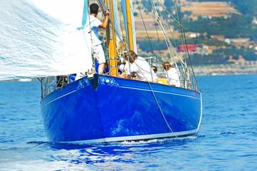 Yacht in regata.