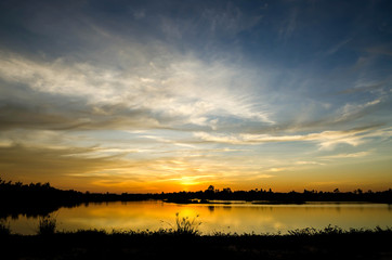 Papiers peints Coucher sunset at the lake