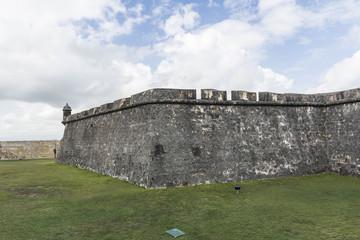 Foto auf Leinwand Befestigung View of the side of El Morro Fort.