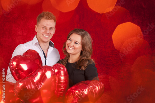Valentinstag Verliebte Parchen Stock Photo And Royalty Free Images