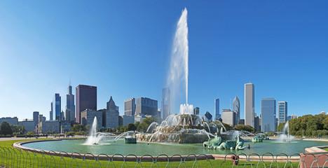 Chicago, Illinois: skyline e la fontana Buckingham, Grant Park, 23 settembre 2014