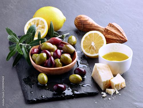 еда оливки масло  № 2107836 бесплатно