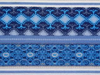 синяя ткань с орнаментом