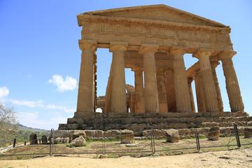 Ein Denkmal dorischer Baukunst: Der Concordia-Tempel im Valle dei Templi auf Sizilien