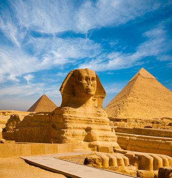 Full Sphinx Profile Pyramids Walkway Giza