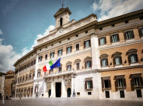 Montecitorio camera dei deputati roma stock photo and for Roma parlamento