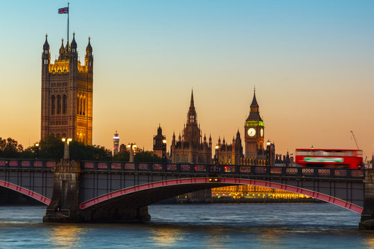 London, Big Ben and Houses of Parliament at dusk