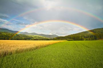 Doppelter Regenbogen über dem Sauerland