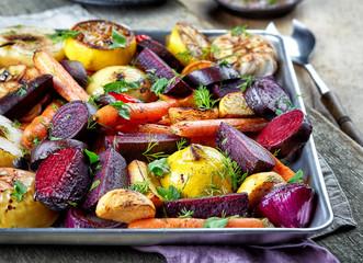 Foto op Plexiglas Groenten Roasted fruits and vegetables